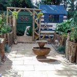 憧れのイングリッシュガーデンの作り方 英国人の庭を紹介