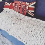 チャンキーニットブランケットの編み方〜ダイソーのビッグロービングを使用〜