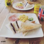 チキン南蛮タルタルソースがけの夕食と休日の朝食。