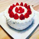 伝統のスポンジケーキとフルーツタルト、4月は家族の誕生日ラッシュ